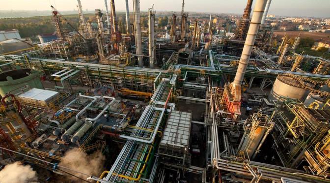 Riconvertire un petrolchimico? Intervista ad un lavoratore della Ies